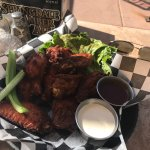 Great chicken wings. Massive serves