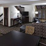 Bi-Level Suite Main Floor