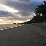 Photo de Uprising Beach Resort