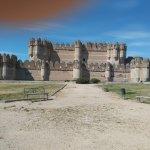 Vista frontal del castillo