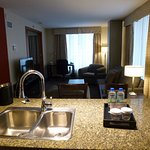 Photo de Embassy Suites by Hilton Montreal