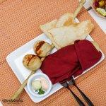Cesta de panadería mixta, mantequilla Roquefort y Paté del Chef