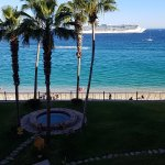 Nicely kept grounds, Cruise ship in the harbor