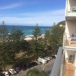 Foto de Pacific Regis Beachfront Holiday Apartments