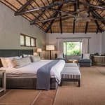 Kariega River lodge suite