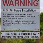Тут пугают обысками и собаками - я собак не видел...