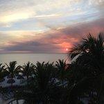 Photo de Naples Beach Hotel and Golf Club