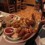 C & H Oyster Bar Foto