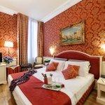 Photo of Duodo Palace Hotel