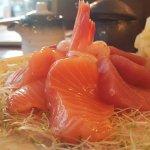 Sashimis saumon, thon, daurade et crevette