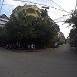 Vista frontal do Hotel