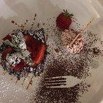 Quadrotti di cioccolato con fragole