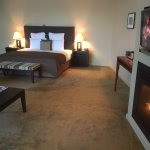 An amazing, luxurious place to stay. Especially in Winter with snow. Having the fireplace in the