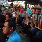 All spactators with Angklung