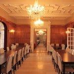 Restaurant aux boiserie de la Villa Renault