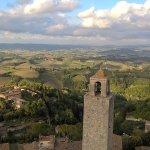 Vista delle campagne intorno San Gimignano dalla torre