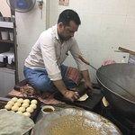 Photo de Old Delhi Bazaar Walk & Haveli Visit