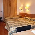 Photo de Hotel Catalunya