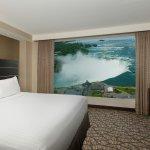 Embassy Suites by Hilton Niagara Falls Fallsview Hotel Photo
