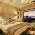 Main bedroom with breathtaking sea- and mountainviews