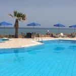 Foto de LaPlaya Beach Hotel