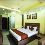 OYO 1673 Hotel MM Yellowuds