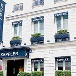 As you arrive at Hotel Keppler on Rue Kepler