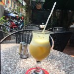 Friendly staff, location great, good service, good food. I took a fresh pineapple juice (amazing