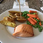 Allergy friendly salmon potatoes and vegetables