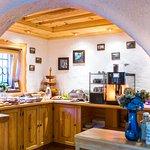 Breakfast room (254656078)