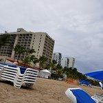 Foto de Courtyard by Marriott Isla Verde Beach Resort