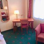 Photo of Hotel Villa Hugel