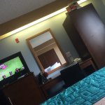 Photo de Howard Johnson Inn and Suites Vancouver by Vancouver Mall