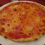 Main course - Hawaiian pizza