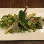 Poivrade de légumes de printemps a l 'huile de truffe