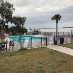 Photo de Crystal Cove Riverfront Resort
