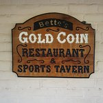 Foto de Betts Gold Coin Sports Tavern