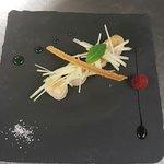 Noix de Saint Jacques sauvages rôties, julienne de pommes au champagne