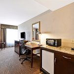 1 Double bed mobility/accessible guestroom.