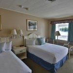 AquaVista Lakefront Room