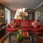 Photo de Hotel Plaza Athenee New York