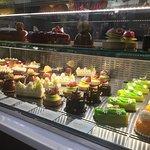 Bild från Bachour Bakery + Bistro