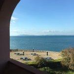 Vista dalla camera del mare e della spiaggia attrezzata