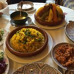 Set dinner with chicken tagine and rice