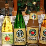 selbstgekelterter Apfelwein, klarer & trüber Apfelsaft, Apfelschaumwein, Apfeledelbrand