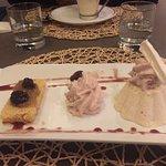 Mousse glacée à la rhubarbe et cerises amarena