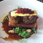 Emporium Eatery & Bar Foto