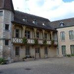 La cour du musée du Vin de Bourgogne