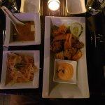 Vorspeise, Miso Suppe, Salat, gepackenes Gemüse.