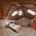 Loft deluxe, segundo piso. Rincón Familiar Hostel Boutique. Vista 360 grados.